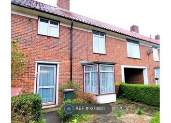 Thumbnail 4 bedroom terraced house to rent in Shaws Road, Crawley