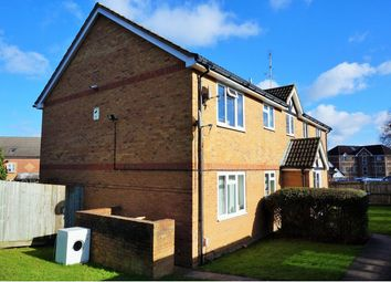 Thumbnail 2 bed flat for sale in Groveland Place, Reading