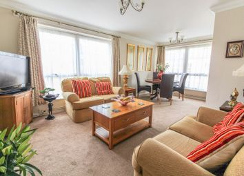 Thumbnail 2 bed flat for sale in Liebenrood Road, Reading