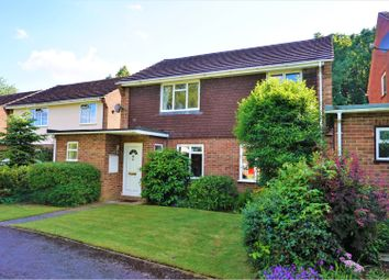 Thumbnail 4 bed detached house for sale in Coat Wicks, Beaconsfield