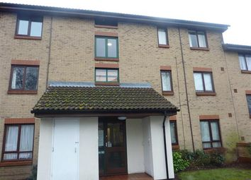 Thumbnail 1 bed flat to rent in Guinevere Gardens, Cheshunt, Waltham Cross