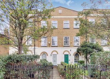 Clapham Road, London SW9. 3 bed terraced house for sale