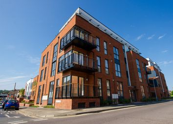 Thumbnail 2 bedroom flat for sale in Avebury Avenue, Tonbridge, Kent