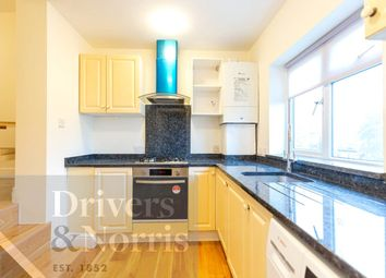 2 bed maisonette to rent in Brownlow Road, Bounds Green, London N3