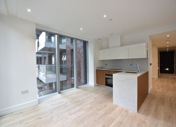 Thumbnail Studio to rent in 14 Piazza Walk, London