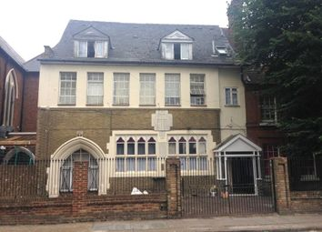 Thumbnail 3 bed flat to rent in Cobourg Road, Camberwell