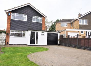 Thumbnail 3 bed detached house for sale in Hilltop Close, Cheshunt
