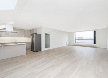 Thumbnail 3 bed flat for sale in Grove House, Isleworth, Middlesex