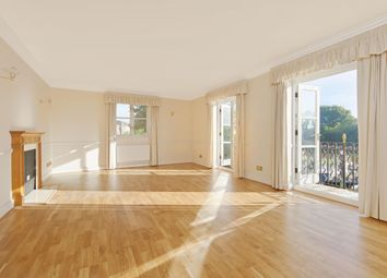 Thumbnail 2 bed flat to rent in Thames Crescent, Chiswick