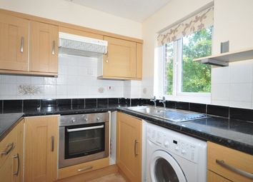 2 bed flat to rent in Tor Close, Waterlooville PO7