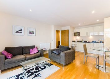 1 bed flat to rent in Cobalt Point, Canary Wharf, London E14