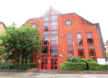 Thumbnail 1 bed property to rent in Flat 16, Southern Court, South Street, Reading