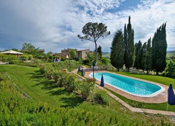 Thumbnail Hotel/guest house for sale in Via Del Colle, Montepulciano, Siena, Tuscany, Italy