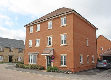 Thumbnail 3 bed town house for sale in Blackthorn Road, Didcot