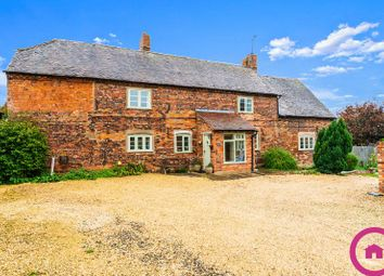 Thumbnail 6 bed farmhouse for sale in Russell Street, Great Comberton, Pershore