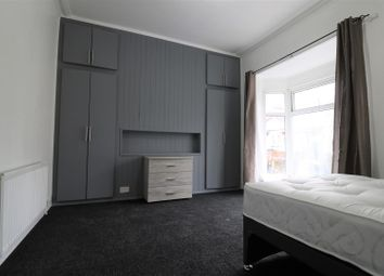Thumbnail Room to rent in Newland Avenue, Hull