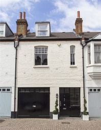 Thumbnail 4 bed mews house to rent in Pont Street Mews, London