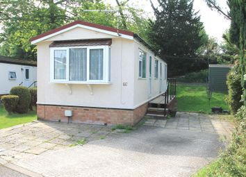 Thumbnail 2 bedroom mobile/park home for sale in Main Road, Willows Riverside Park, Windsor
