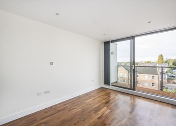 Thumbnail 2 bedroom flat to rent in Balham Hill, London
