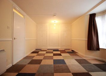 Thumbnail 1 bed flat to rent in Fairfoot Road, London