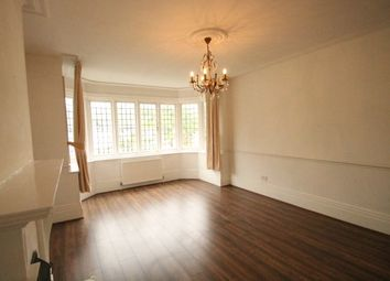 Thumbnail 2 bed flat to rent in Blenheim Road, Bickley, Bromley