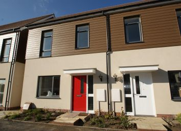 3 bed property to rent in Belhouse Avenue, Aveley, South Ockendon RM15