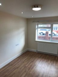 Thumbnail 2 bedroom flat to rent in Whippendell Road, Watford
