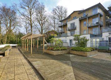 Thumbnail 2 bed flat to rent in Linden Fields, Tunbridge Wells