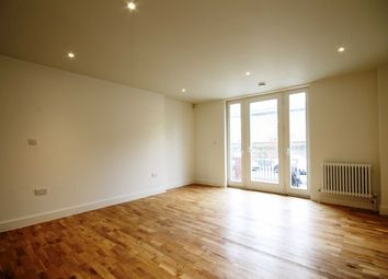 Thumbnail Studio to rent in Kelvedon Road, London