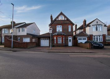 Thumbnail 4 bed detached house for sale in Compton Avenue, Luton, Bedfordshire