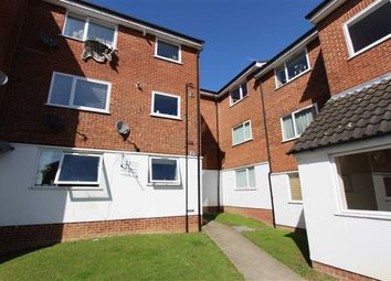 Thumbnail 2 bedroom flat to rent in Droveway, Loughton, Essex