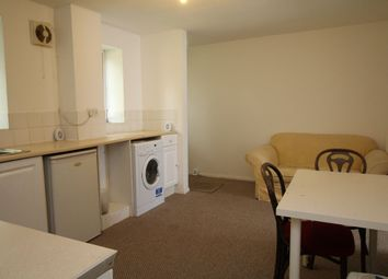 Thumbnail 3 bedroom flat to rent in North Walls, Winchester