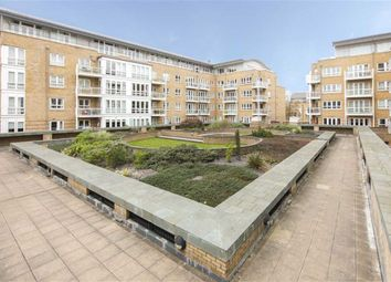 Thumbnail 2 bed flat for sale in Hamilton House, Canary Wharf, London