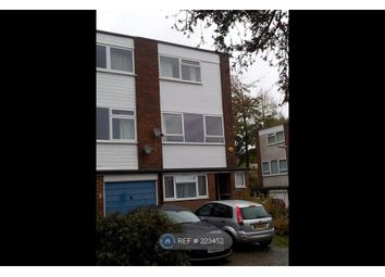 Thumbnail Room to rent in Woodlands, Woking