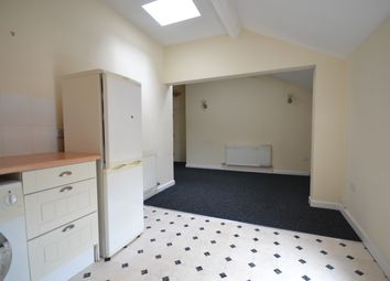 2 bed flat to rent in Primrose Street, Tyldesley, Manchester M29