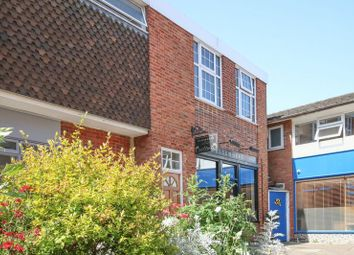 2 bed flat to rent in Market Place, Wantage OX12