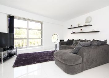 Thumbnail 2 bed flat to rent in Cascades Tower, 4 Westferry Road, London