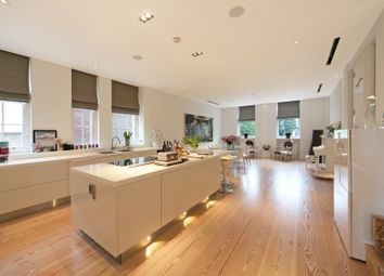 Thumbnail 3 bed flat to rent in Crescent Mansions, Fulham Road, Chelsea