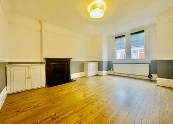 Thumbnail Flat for sale in Huguenot Place, London