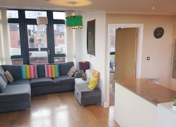 2 bed flat to rent in Rickman Drive, Birmingham B15
