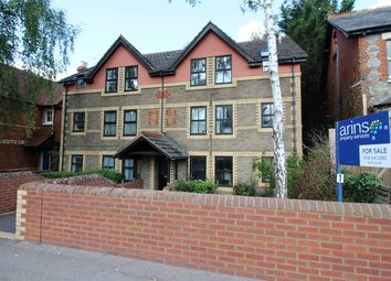Thumbnail 2 bedroom flat for sale in Walkers Place, Reading