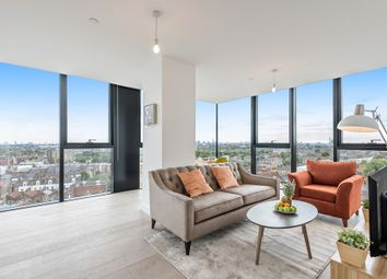 Thumbnail 2 bed flat to rent in Hill House, London