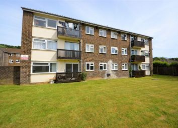 Thumbnail 1 bedroom flat to rent in Crombie Close, Cowplain, Waterlooville