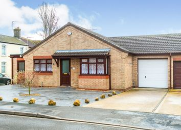 Thumbnail 2 bed bungalow for sale in Causeway Gardens, March