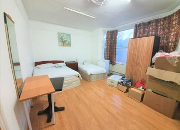 Thumbnail Room to rent in High Street North, East Ham
