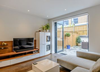 Thumbnail 4 bed town house to rent in Hawthorne Crescent, Greenwich, London, Greater London