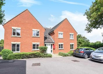Thumbnail 2 bedroom flat for sale in Hallows Grove, Sunbury-On-Thames
