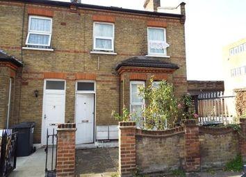 2 bed maisonette to rent in Dunton Road, London E10