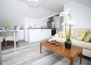 Thumbnail 2 bed flat for sale in Alma Road, Romsey