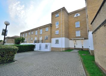 Leigh Hunt Drive, Southgate N14. 2 bed flat